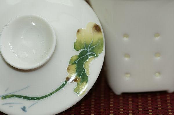 鹿港窯~居家開運商品~三希(台灣製)彩荷浮雕(線塑)馬克杯;購物清單:1個