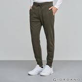 GIORDANO 男裝素色鬆緊腰抽繩休閒束口褲-02 甲蟲綠