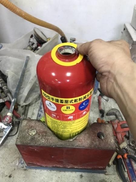消防署認可10p乾粉滅火器.10p滅火器ABC型.有認證換藥250元(非整支新品價格)