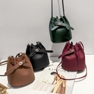 水桶包 2018新款特別包包女款時尚創意百搭水桶包簡約單肩斜挎手機包小包