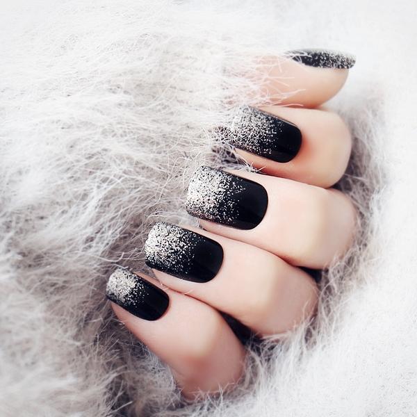 光療感指甲油美甲假指甲成品 黑色銀閃粉漸變短版假指甲甲片 日系指甲貼片配外套皮衣風衣