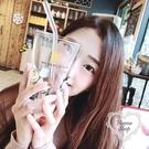 《花花創意会社》現貨。韓組可愛史奴比查理玻璃含蓋吸管刻度耐高溫情侶水杯【H6778】