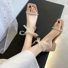 熱賣低跟鞋仙女風涼鞋女夏季2021新款時尚百搭水鑽露趾低跟蝴蝶結羅馬鞋中跟 【618 狂歡】