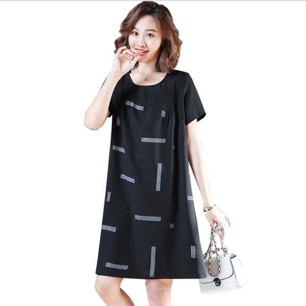 洋裝--極簡藝術不規則拼接幾何圖印圖圓領短袖A字連身裙(黑L-4L)-D582眼圈熊中大尺碼◎
