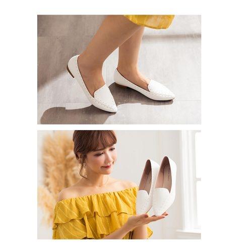 【ORiental TRaffic】洗鍊鉚釘滾邊平底鞋-俐落白
