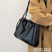通勤包包包女大容量2021新款潮高級感洋氣上課通勤包冬季軟皮側背托特包 迷你屋 新品