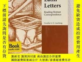 二手書博民逛書店Latin罕見Letters: Reading Roman Co