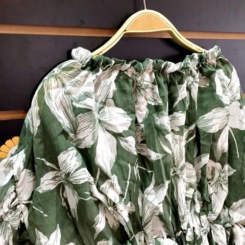 ☆棒棒糖童裝☆夏女童綠色滿版花束折上衣  5-15