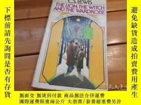 二手書博民逛書店THE罕見LION, THE WITCH AND THE WAR
