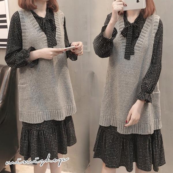孕婦裝 MIMI別走【P31422】雅緻兩件式 V領毛衣背心+格子連身裙 孕婦洋裝