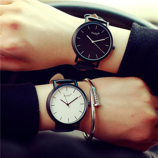 彩色時針秒針簡約刻度錶