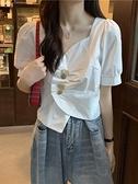 不規則V領短款白襯衫女士設計感小眾春裝2021新款泡泡短袖上衣服 喵小姐
