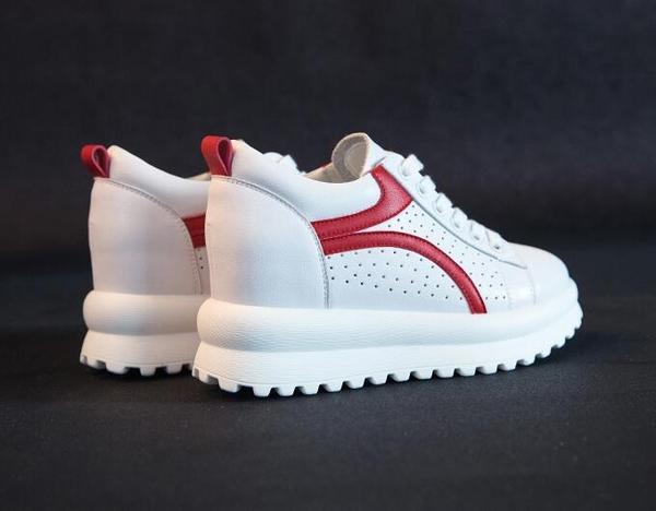 女內增高鞋 青春簡約休閒鞋百搭厚底鬆糕鞋