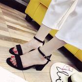 一字扣帶粗跟綁帶涼鞋女夏少女學生中高跟鞋羅馬正韓露趾大尺碼絨面
