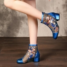 低跟鞋 涼鞋女2021新款夏天網紗涼靴粗跟鏤空短靴透氣復古繡花真皮媽媽鞋