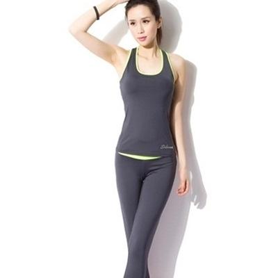 瑜珈服套裝含健身衣+運動褲-短款運動背心七分褲女運動服3色69n32【時尚巴黎】