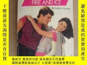 二手書博民逛書店COUPLES:罕見FIRE AND ICEY146810 LI