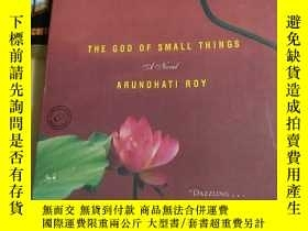 二手書博民逛書店THE罕見GOD OF SMALL THINGS ARUNDHA