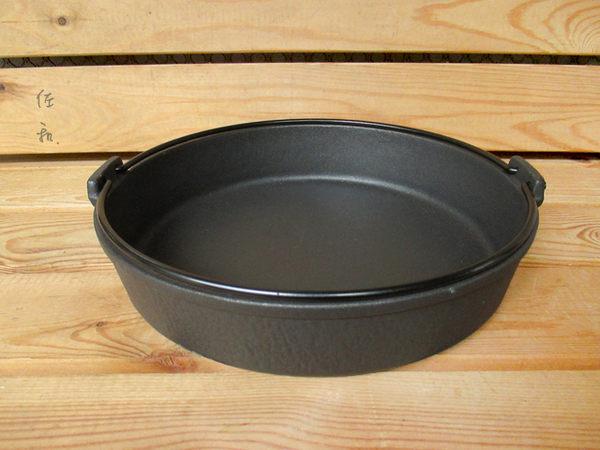 ~佐和陶瓷餐具~【24I52028-C鉎壽喜鍋(霧面琺瑯) 28cm】/ 煮鍋 湯鍋 鑄鐵鍋 壽喜燒 /