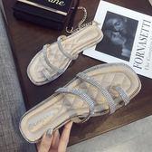 網紅拖鞋女夏外穿新款時尚水鉆平跟涼拖百搭平底沙灘鞋潮chic