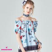 【SHOWCASE】甜美一字百褶領印花傘襬上衣(藍)