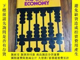 二手書博民逛書店THE罕見CHINESE ECONOMY(精裝小16開本)Y12