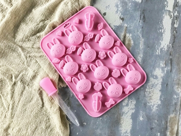 【Betty's焙蒂絲】兔子&蘿蔔軟糖果凍模/巧克力矽膠模/製冰模 SM101《烘焙器具(材)》
