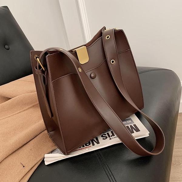 高級感大容量包包女新款潮時尚百搭洋氣單肩包網紅斜背水桶包 至簡元素