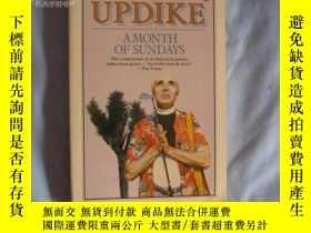 二手書博民逛書店A罕見Month of Sundays (by John Updike)Y15357 John Updike