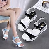 低跟涼鞋 2021春夏季拼色厚底女涼鞋低跟休閒時尚百搭學生涼鞋女防滑潮 夏季新品
