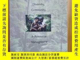 二手書博民逛書店The罕見Equitable Forest: Diversity, Community & Resource Ma
