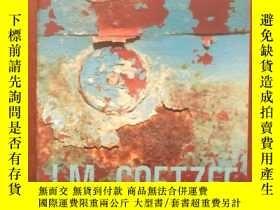 二手書博民逛書店Stranger罕見Shores: Essays 1986 -