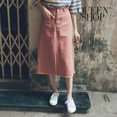 Queen Shop【03070104】休閒素色排釦下鬚邊造型中裙 兩色售 S/M*現+預*