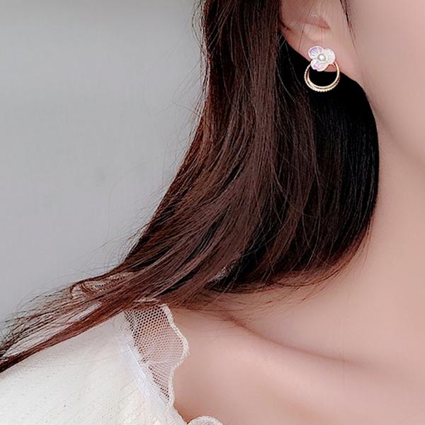 現貨 韓國少女氣質甜美煥彩花朵珍珠幾何圓圈925銀針耳環 夾式耳環 S93349 批發價 Danica 韓系飾品