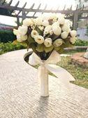 手捧花 新款包芯玫瑰手捧花白色新娘森系手花白紗室外室內小花   唯伊時尚igo
