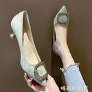 單鞋女2020春新款時尚尖頭水鑚方扣高跟鞋女細跟百搭淺口工作鞋女 pinkQ 時尚女裝