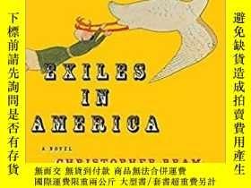 二手書博民逛書店Exiles罕見in America 英文原版大32開Y8571