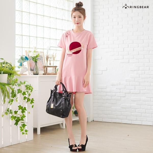 洋裝--時尚俏麗圓領星球亮片刺繡拼接荷葉裙擺短袖連身裙(黑.粉.黃M-3L)-D579眼圈熊中大尺碼