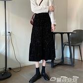 半身長裙高腰中長裙顯瘦黑色a字半身裙秋冬天配毛衣女2021年新款百摺裙子 雲朵走走