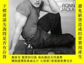 二手書博民逛書店Stolen罕見Moments: The Photographs of Ronny JaquesY360448