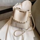 水桶包包包女21新款時尚女士百搭大容量水桶包時尚女士腋下包單肩包潮 快速出貨