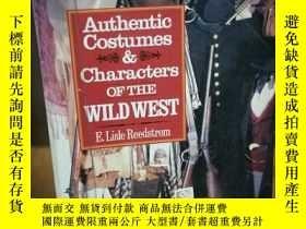 二手書博民逛書店Authentic罕見Costumes & Characters