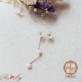 耳環 韓國直送‧垂墜後扣花朵不對稱耳環-白色-Ruby s 露比午茶