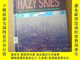 二手書博民逛書店Hazy罕見skies : weather and the en