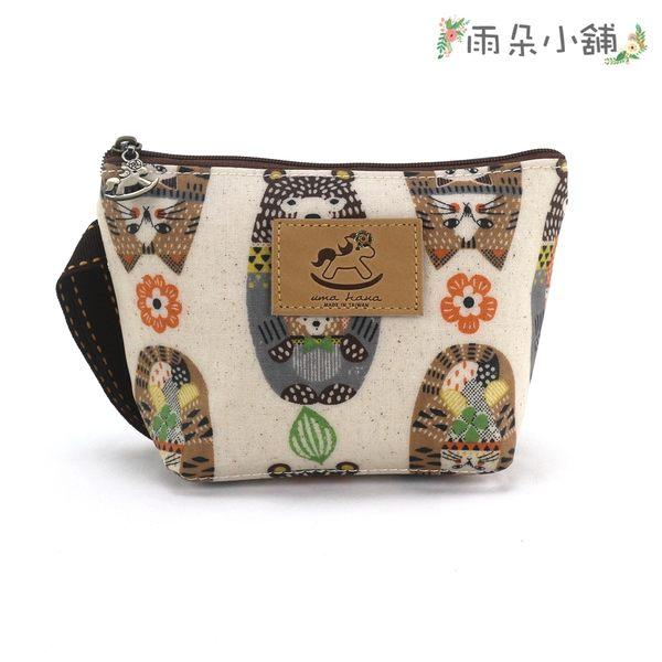 化妝包 包包 防水包 雨朵小舖雨朵防水包 Z-88-501 三角化妝包-白俄羅斯娃熊與貓02606 uma hana