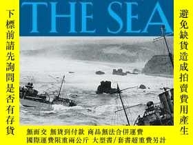 二手書博民逛書店Taking罕見the Sea: Perilous Waters, Sunken Ships, and the T