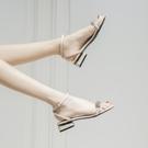時裝涼鞋女仙女風2021年新款夏平底一字帶扣粗跟百搭網紅透明女鞋 黛尼時尚精品