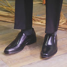 男 真皮皮鞋 休閒鞋 英倫復古牛津鞋 尖頭 懶人鞋《生活美學》