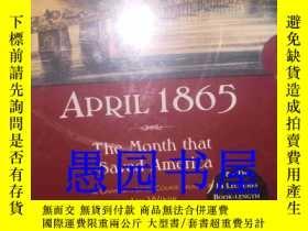 二手書博民逛書店英文原版罕見April 1865: The Month That