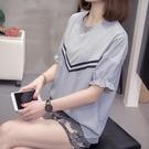 2021年夏裝胖mm200斤大碼女裝時尚洋氣拼接襯衫條紋寬鬆短袖T恤潮 果果輕時尚